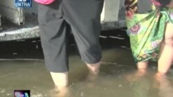 VOA60-Extra- Thai Flood Returnees