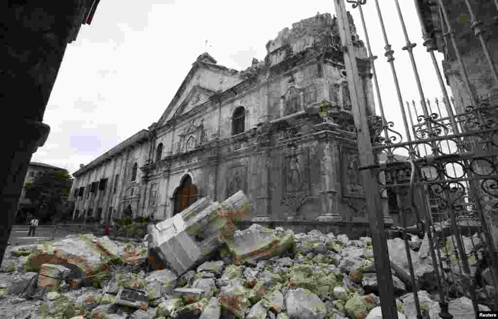 A view of the damaged Basilica Minore of Sto Nino de Cebu church after an earthquake struck Cebu city, in central Philippines, Oct. 15, 2013.