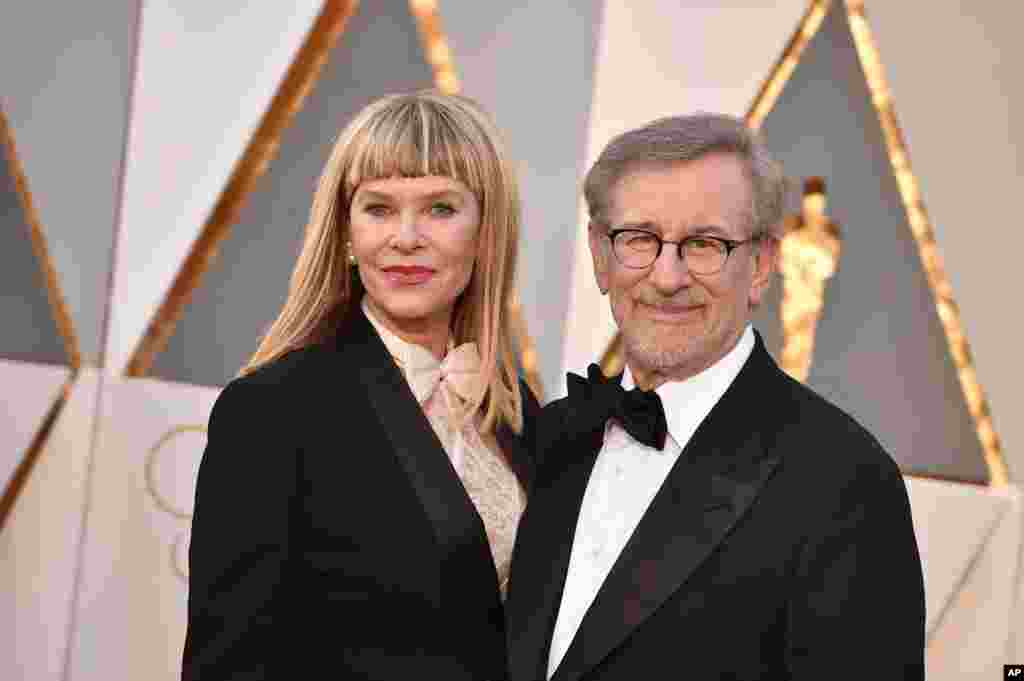 Kate Capshaw, left, and Steven Spielberg arrive at the Oscars on Feb. 28, 2016, at the Dolby Theatre in Los Angeles.
