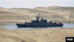Irán ha dicho que los barcos están en una misión de entrenamiento y que se dirigen a Siria. La OTAN está monitoreando su movimiento.
