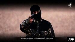 ISIL이 지난 3일 새롭게 공개한 인질 처형 동영상에, 영어를 사용하는 대원이 등장했다. (자료사진)