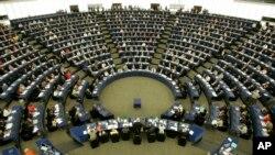 Suasana emilihan anggota parlemen baru di ruang Plenary Parlemen Eropa, Strasbourg, Perancis. (Foto: dok).