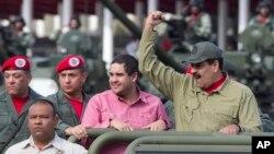 Ông Maduro dự một lễ duyệt binh (ảnh tư liệu)