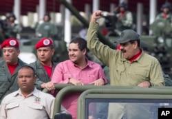 Nicolás Maduro Guerra tiene 29 años y es parte del gobierno en disputa de Venezuela que lidera su padre.