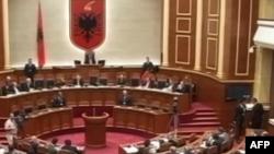 Presidenti Topi përshëndet marrëveshjen mes shumicës dhe opozitës