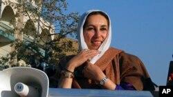 پرویز مشرف د بې نظیر بوټو د وژنې تور د هغې پر میړه آصف علي زرداري اچولی دی