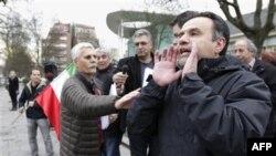 Biểu tình ủng hộ người dân Iran trước Ðại sứ quán Iran ở Brussels