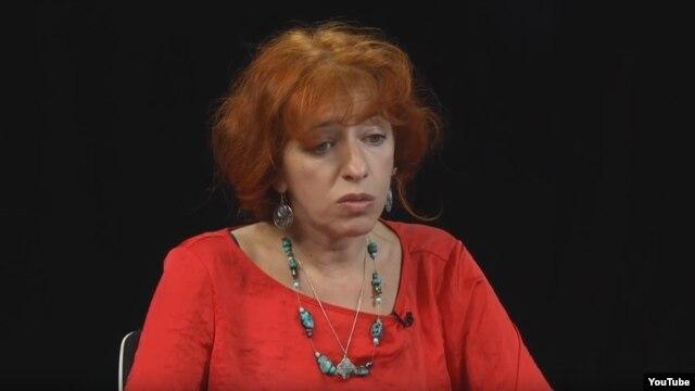 Таня Локшина