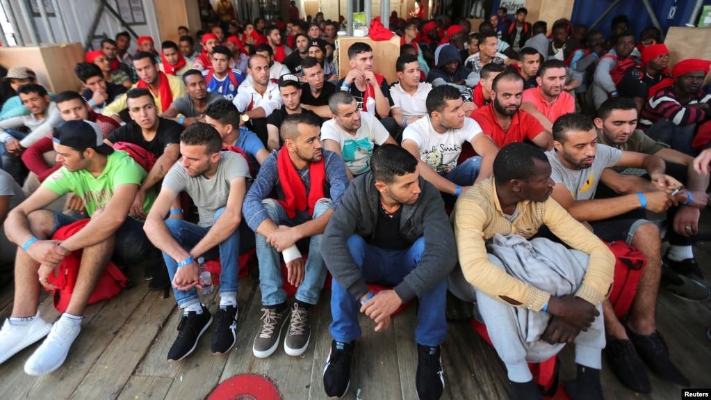 Výsledek obrázku pro migrants in germany