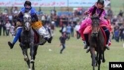 Sejumlah perempuan tengah menunggang kuda, sebagai ilustrasi. (Foto: ISNA)