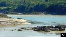 ဧရာ၀တီျမစ္ကယ္တင္ေရး အႏုပညာရွင္မ်ားႀကိဳးပမ္း