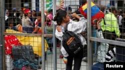 El decreto presidencial también ratifica la validez de los pasaportes de los ciudadanos venezolanos hasta cinco años después de la fecha de caducidad para trámites legales.