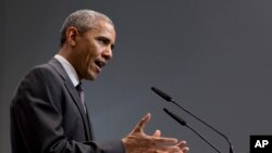 Presiden AS Barack Obama saat memberikan konferensi pers di hotel Schloss Elmau pada akhir acara KTT G7 di Jerman, hari Senin (8/6).