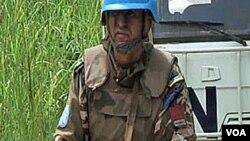Seorang anggota pasukan perdamaian PBB melakukan patroli di Republik Demokratik Kongo (foto: dok)