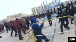 Этот кадр был сделан в пятницу во время столкновений на центральной площади Жанаозена