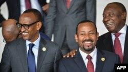 Paul Kagame, président de la République du Rwanda et président en exercice de l'Union africaine (UA), na siège ya UA, na Addis Abeba, Ethiopie, 17 novembre 2018.