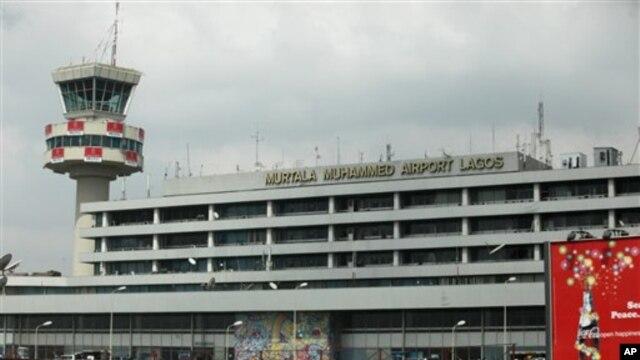 Bandara internasional Murtala Muhammed di kota Lagos, Nigeria (foto: dok). Nigeria akan menggunakan pinjaman dari Tiongkok untuk memperbaharui infrastruktur termasuk jalan kereta api dan bandara.
