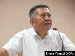 台湾执政党国民党立委杨应雄9月30号于立法院(美国之音张永泰拍摄)