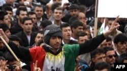 Kleriku Al Sadr kërcënon se do rifillojnë sulmet kundër forcave amerikane