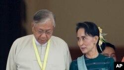تین چیاو، رئیس جمهوری جدید میانمار در کنار آنگ سان سوچی