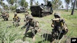 2012年6月5日美海軍陸戰隊與印度尼西亞在東爪哇進行聯合兩棲攻擊訓練。