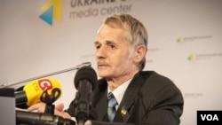 Mustafa Dzhemilev, pemimpin etnis Tatar di Krimea (foto: dok),