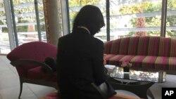 Bà Grace Meng, vợ Giám đốc Interpol Mạnh Hoành Vĩ, tại một khách sạn ở Lyon, Pháp, ngày /10/2018.