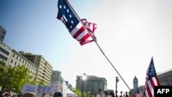 茶党抗议者在华盛顿集会