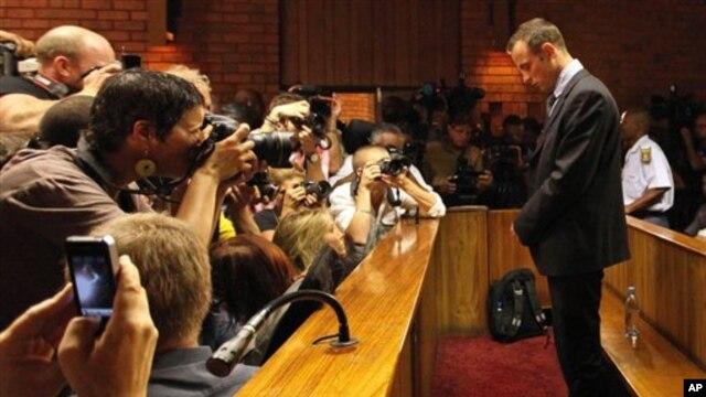 22일 남아프리카 공화국 프리토리아의 법정에서 보석심리에 출석한 오스카 피스토리우스.