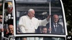 Papa Franja tokom parade u Vašingtonu, 23. septembar, 2015.