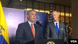 El presidente de Colombia, Iván Duque junto al senador de EE.UU., Rick Scott en una conferencia de prensa conjunta en Bogotá, Colombia. [Foto: Karen Sánchez]