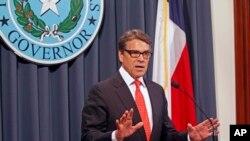 El exgobernador de Texas, Rick Perry, anunció que empezará este martes a hacer campaña por el senador Ted Cruz en Iowa.