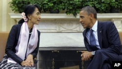 Tổng thống Obama tiếp bà Aung San Syu Kyi tại Tòa Bạch Ốc hồi tháng 9 năm 2012.