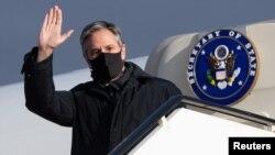 美國國務卿布林肯2021年5月17日抵達冰島訪問。(路透社)