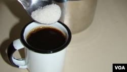 La recomendación consiste en reducir en por lo menos 12 cucharaditas menos de azúcar en el consumo diario.
