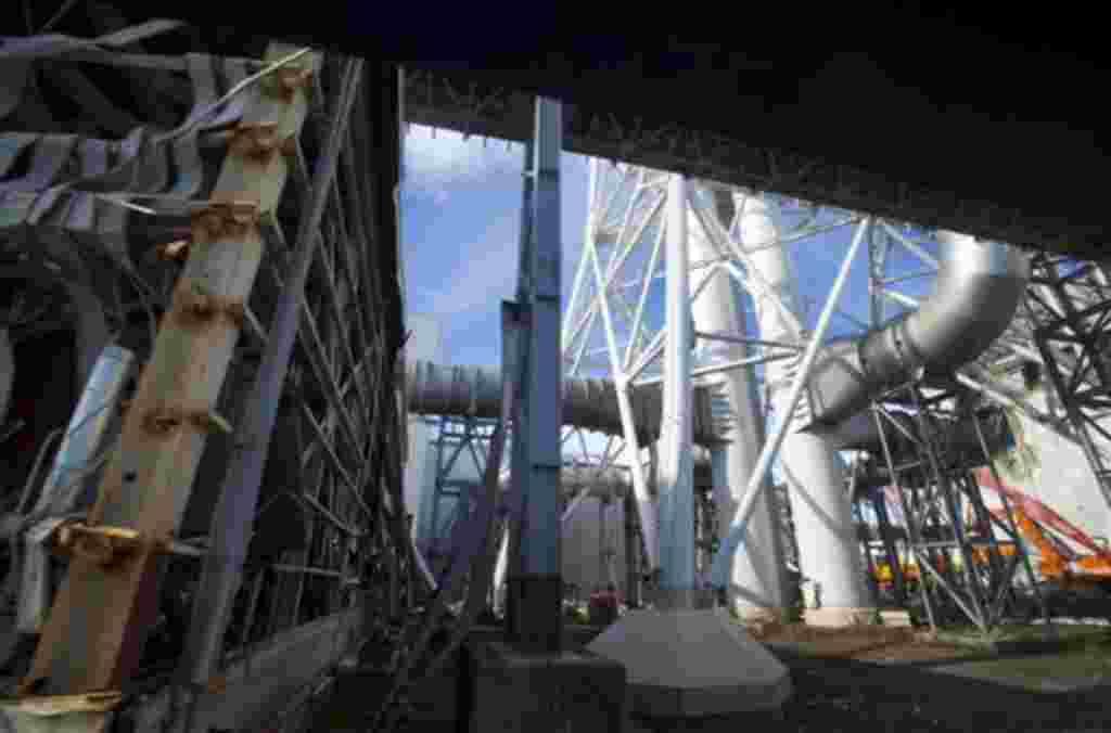 Los escombros del reactor y los desmoronados edificios prácticamente no han sido tocados desde el terremoto del 11 de marzo de 2011.