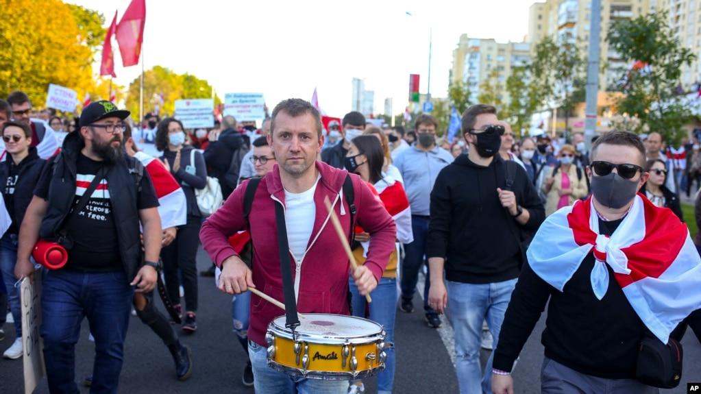 资料照片:在白俄罗斯明斯克举行的游行抗议(2020年9月20号)。