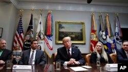 Predsednik Donakd Tramp tokom okruglog stola o zdravstvenoj zapštiti u Ruzveltovoj sobi u Beloj kući, sreda, 23. januar 2019.