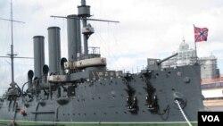 十月革命象征,目前停在圣彼得堡涅瓦河上的阿芙乐尔巡洋舰(美国之音白桦)。