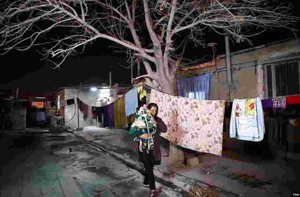خبرگزاری فارس گزارش تصویری با عنوان «زیر پوست شهر تهران» دارد که در آن به بخش های جنوبی تهران سری زده است. عکس: مهدی مریزاد