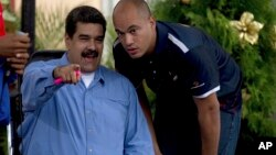 """Maduro aseguró haber enviado una comisión del Servicio Bolivariano de Inteligencia a la sede de la empresa Credicard """"para investigar la falla técnica""""."""
