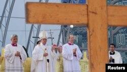 Папа Франциск провел богослужение на знаменитом пляже Копакабана. Рио-де-Жанейро, Бразилия. 28 июля 2013 г.
