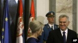 Predsednik Srbije Tomislav Nikolić sa suprugom Dragicom na inauguraciji u Beogradu, 11.jun 2012