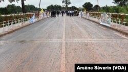 Une partie de la route Dolisie-Kibangou, reliant le Gabon, déjà bitumée à Louvakou, le 24 janvier 2021.