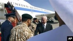 美国国防部长盖茨12月9日抵达阿联酋