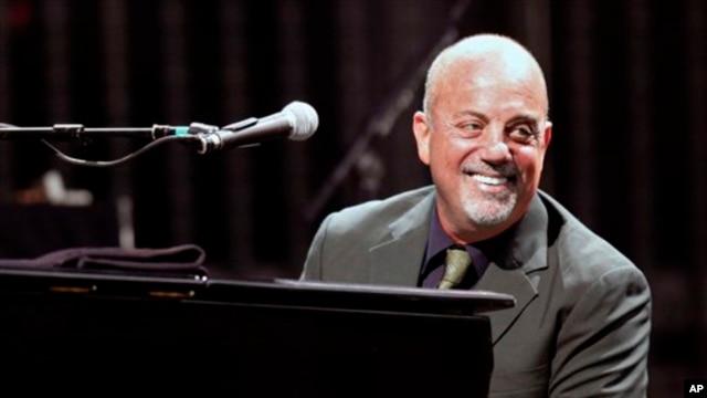 Billy Joel performing in 2009