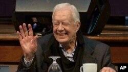 El expresidente Jimmy Carter se desmayó el jueves cuando trabajaba ayudando a construir y reparar viviendas en Canadá, en un evento de Habitat for Humanity, una ONG global de la que es voluntario.