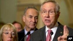 El líder de la mayoría en el Senado, Harry Reid, dijo que los demócratas seguirán presionando a favor de los desempleados