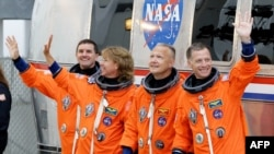 Atantis Uzay İstasyonuna Kenetlendi