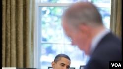 El presidente Barack Obama en conversaciones con el presidente de Yemen, Ali Abdallah Saleh en noviembre de 2010.